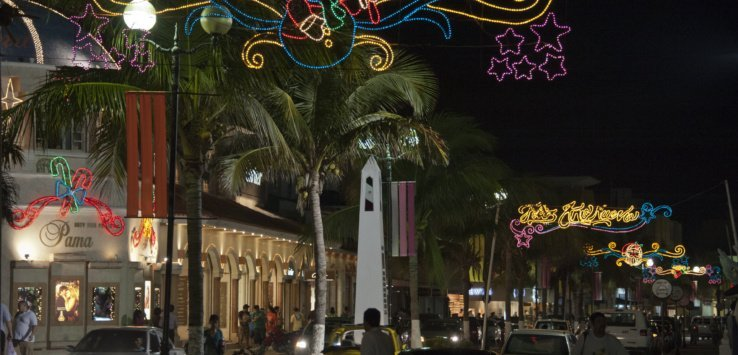Christmas eve along San Miguels waterfront by Jett Britnell e1556596822946